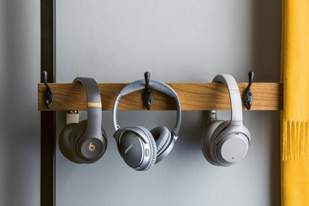 HEADPHONES-TRIO_BOSE_BEATS_SONY_016.jpg