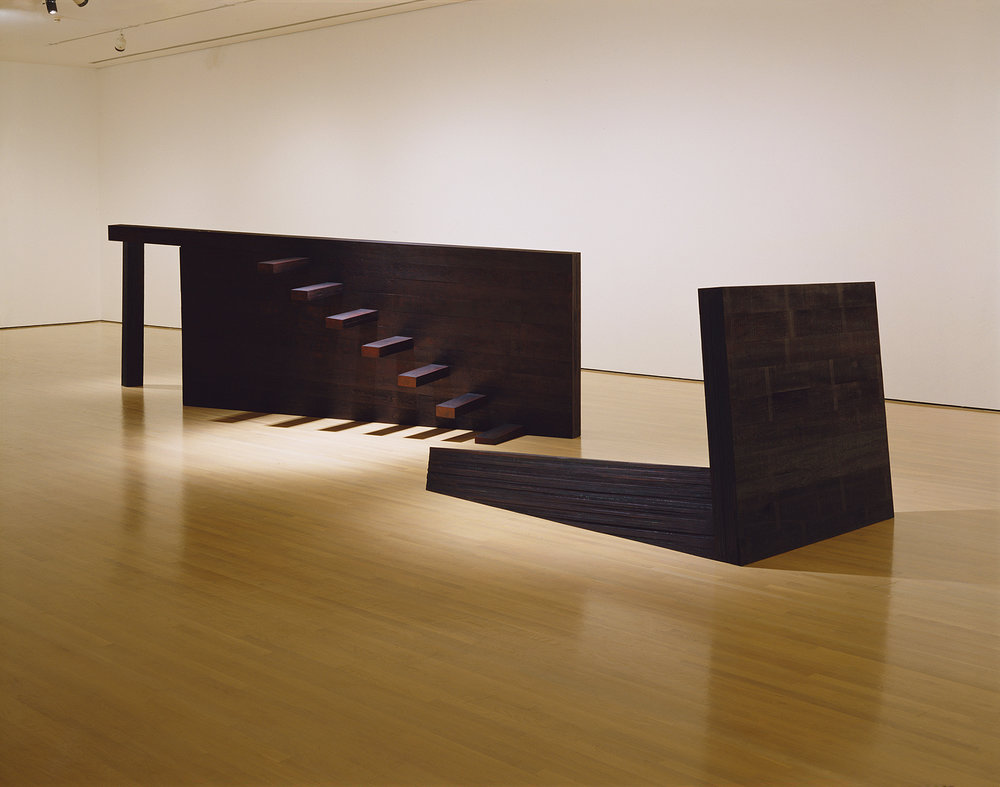 Le dernier jardin  (1999)   Bois polychrome, 116x 90 x 402 cm, collection du Musée d'art contemporain de Montréal. photo : Richard-Max Tremblay