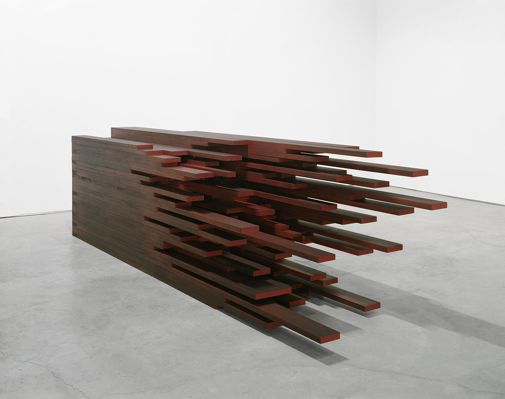 In extenso II  (2009)   Bois polychrome, 118 x 487 x 92 cm, collection du Musée des beaux-arts de Montréal. photo : Richard-Max Tremblay