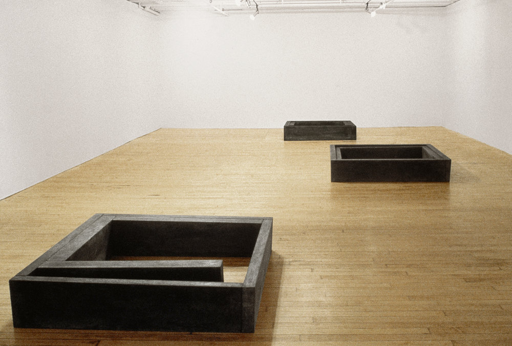 Lieu ,  En forme de vide ,  Contenu  (1980)    Installation au Musée des beaux-art du Canada. photo : Richard-Max Tremblay. Collection MNBAQ.