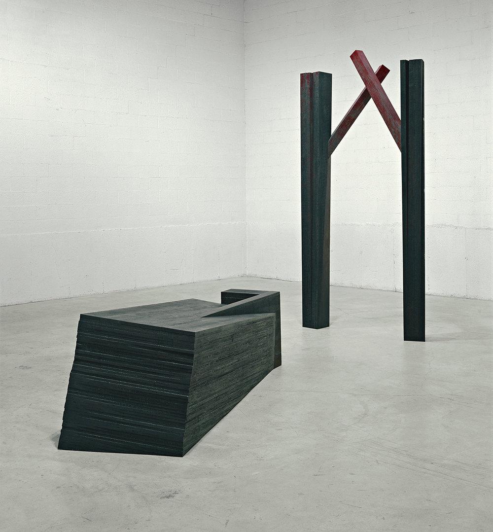 Arbres du soir (àla mémoire de Jean Papineau)  (1998)   Bois polychrome,320 x 153 x 455 cm, collection de l'artiste. photo : Richard-Max Tremblay
