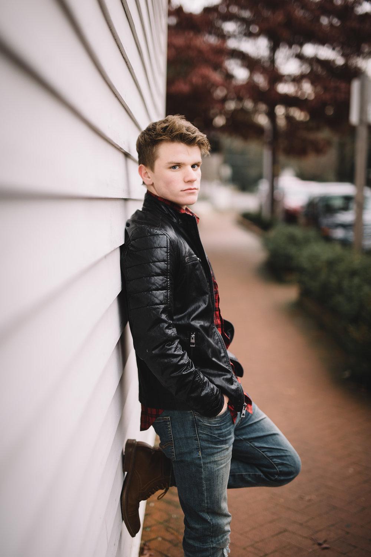 Senior boy portrait in Jacksonville Oregon.