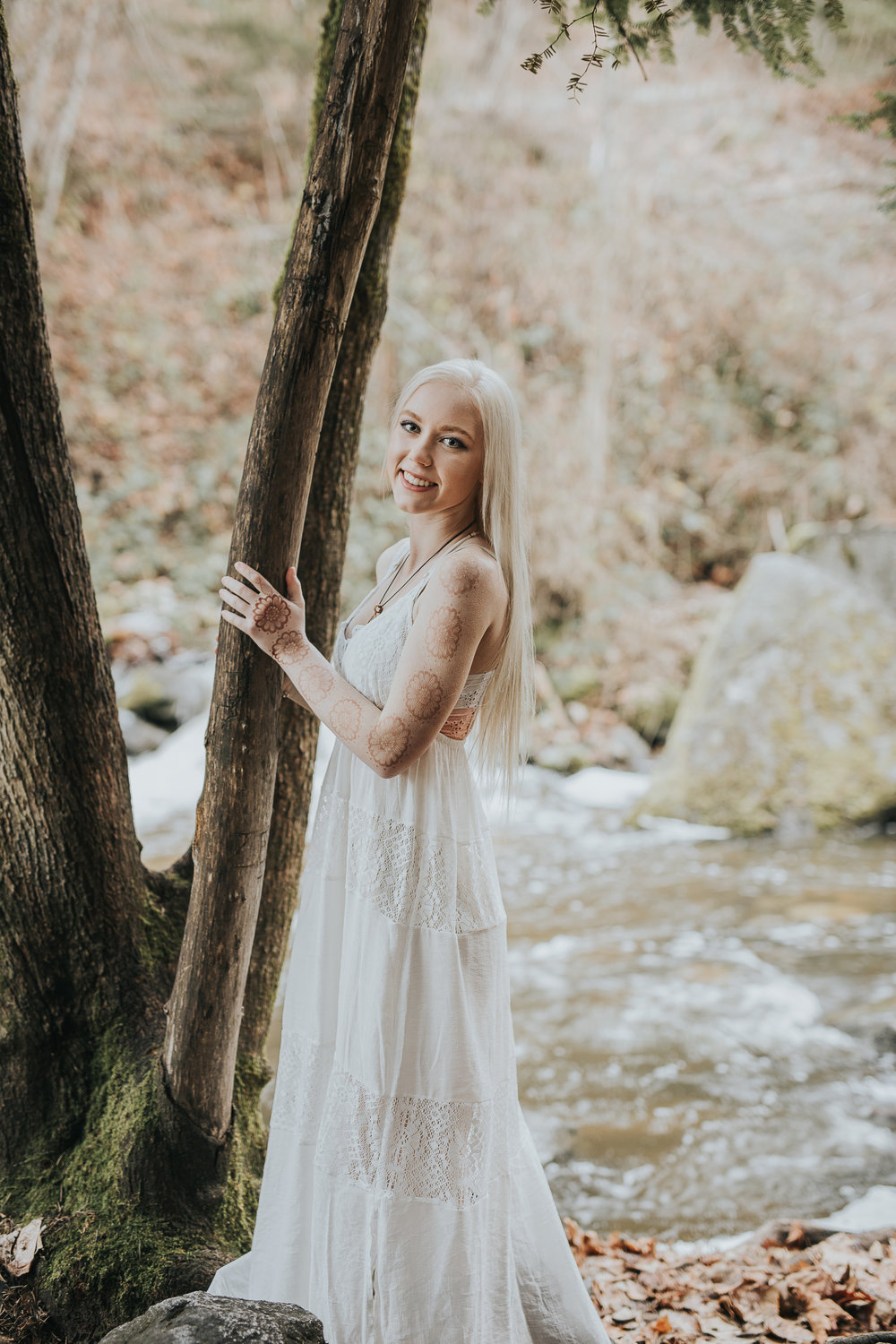 Whimsical Senior portrait in Ashland Oregon fairy ponds.