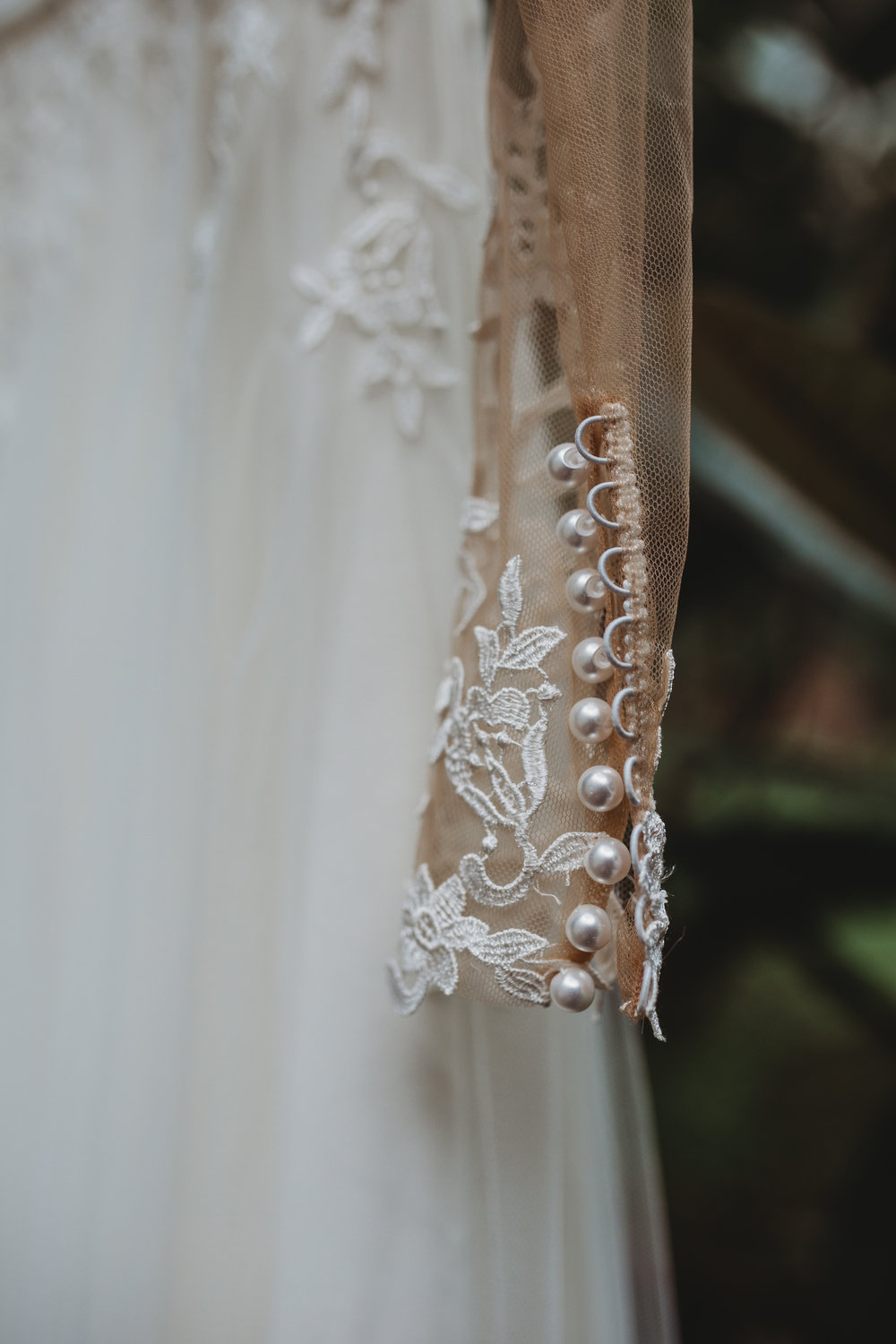 Brides dress detail southern Oregon wedding photographer