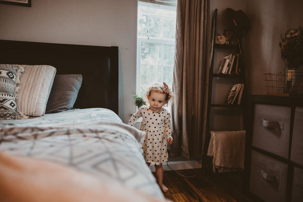 toddler girl southern Oregon lifestyle photographer
