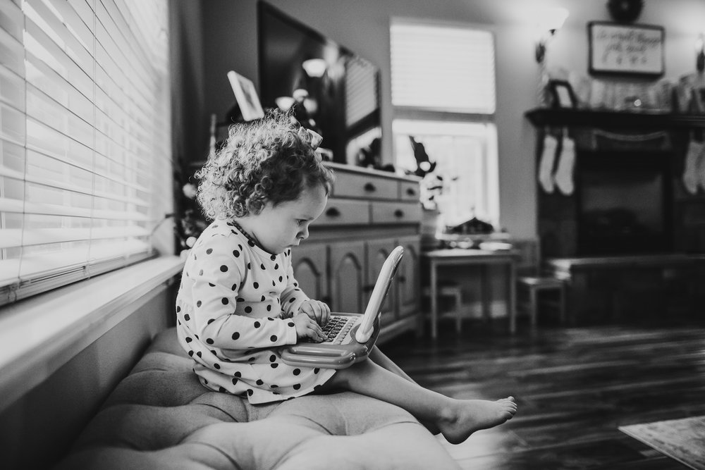 toddler typing southern Oregon documentary photographer