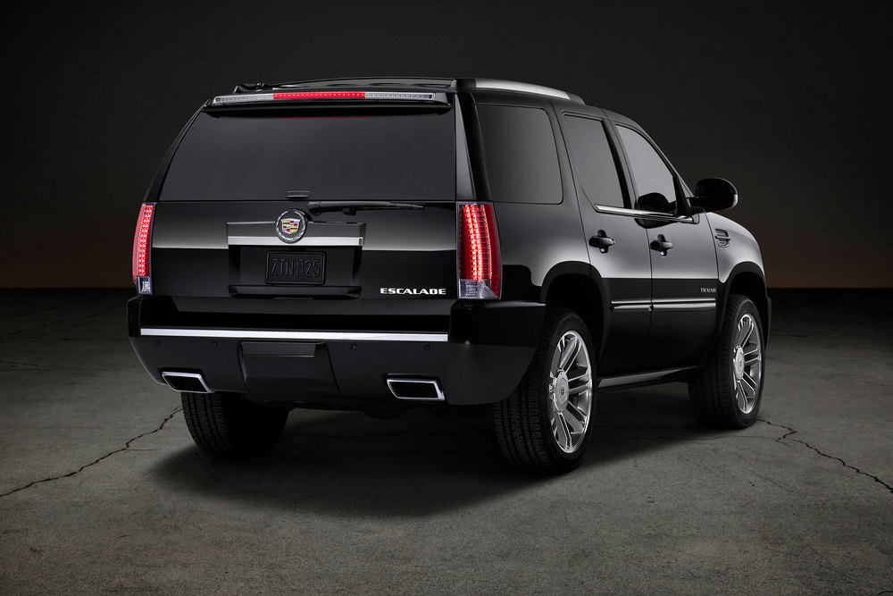 2014-Cadillac-Escalade-rear-passengers-view.jpg