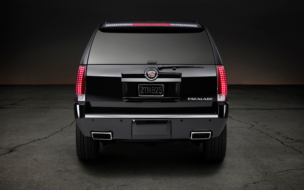 2014-Cadillac-Escalade-ESV-Premium-rear-end-1.jpg