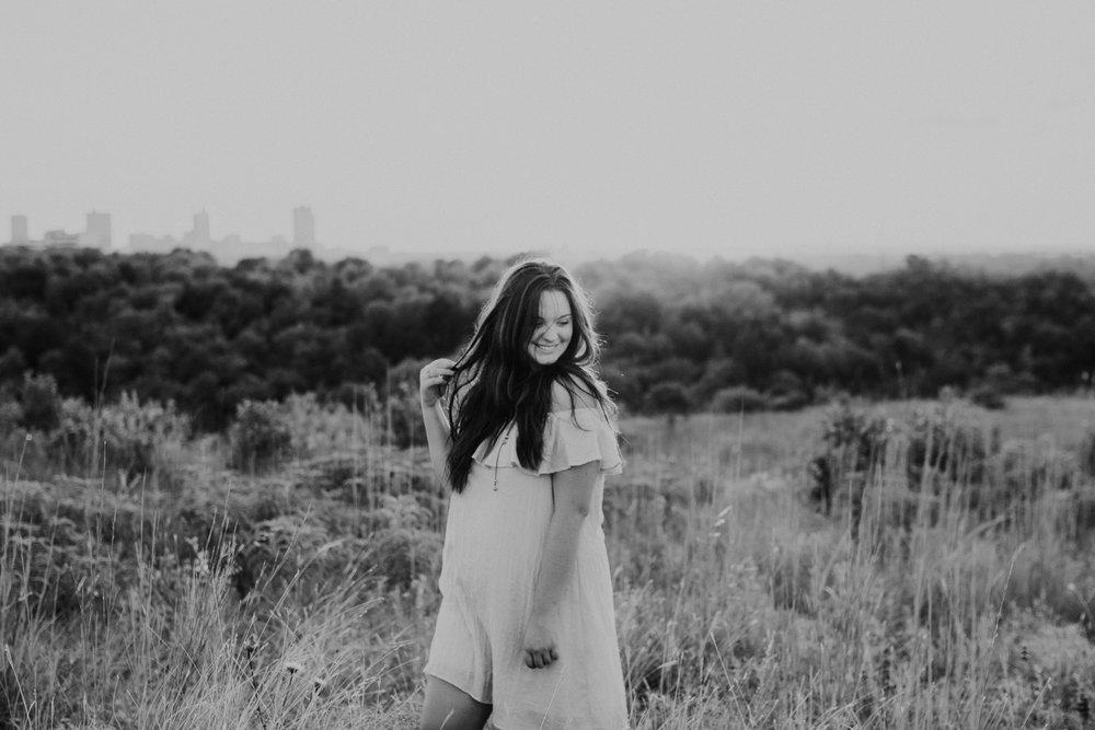 senior-session-photographer-tandy-hills-nature-preserve-fort-worth-texas-30