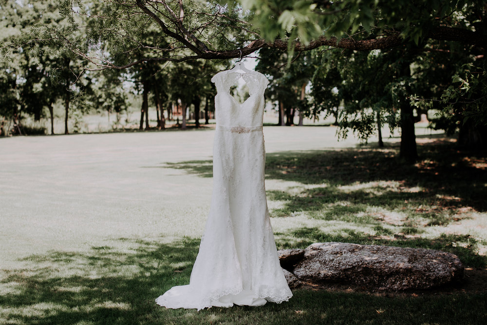 Dallas-wedding-photographer-thistle-springs-ranch-cleburne-texas-2