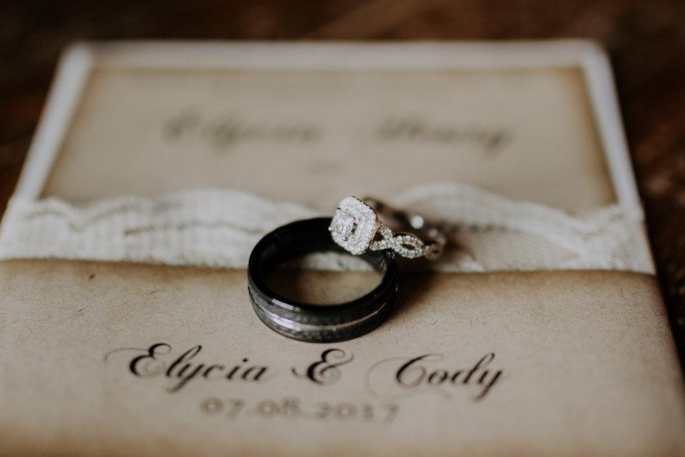 Dallas-wedding-photographer-thistle-springs-ranch-cleburne-texas-5