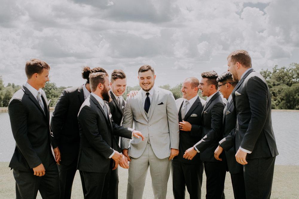 Dallas-wedding-photographer-thistle-springs-ranch-cleburne-texas-35
