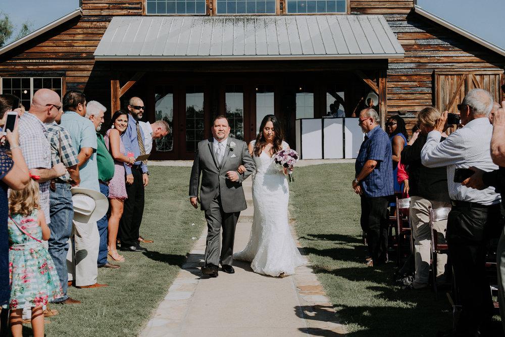 Dallas-wedding-photographer-thistle-springs-ranch-cleburne-texas-48