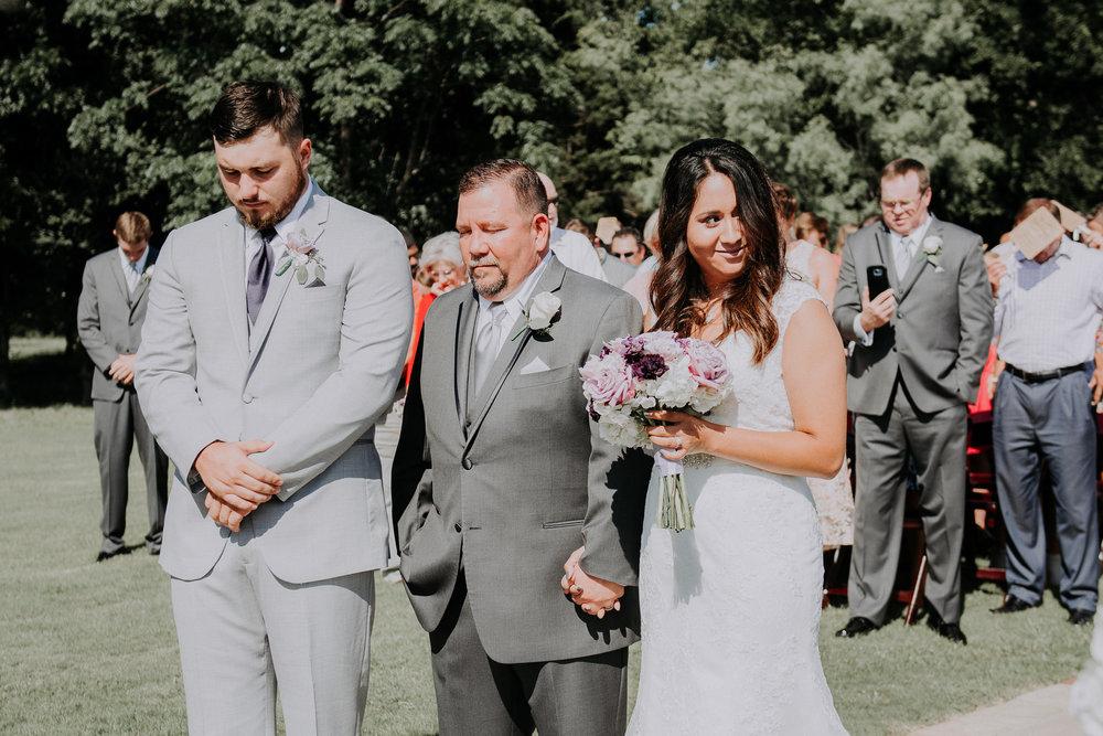 Dallas-wedding-photographer-thistle-springs-ranch-cleburne-texas-49