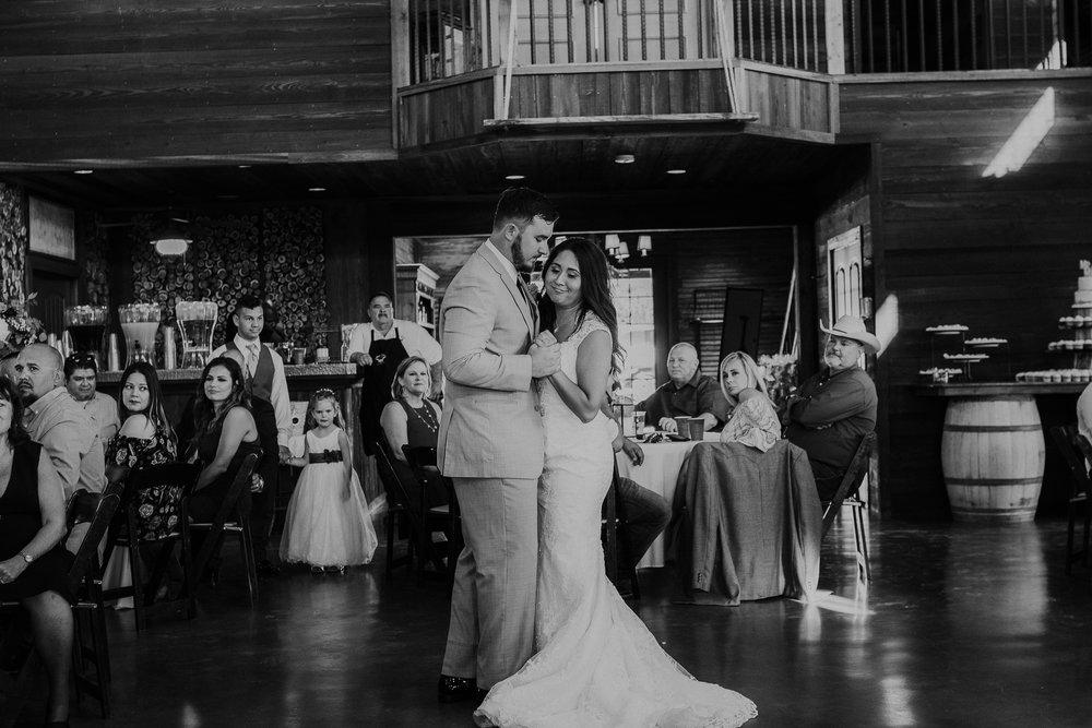 Dallas-wedding-photographer-thistle-springs-ranch-cleburne-texas-65