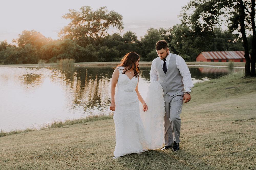 Dallas-wedding-photographer-thistle-springs-ranch-cleburne-texas-76