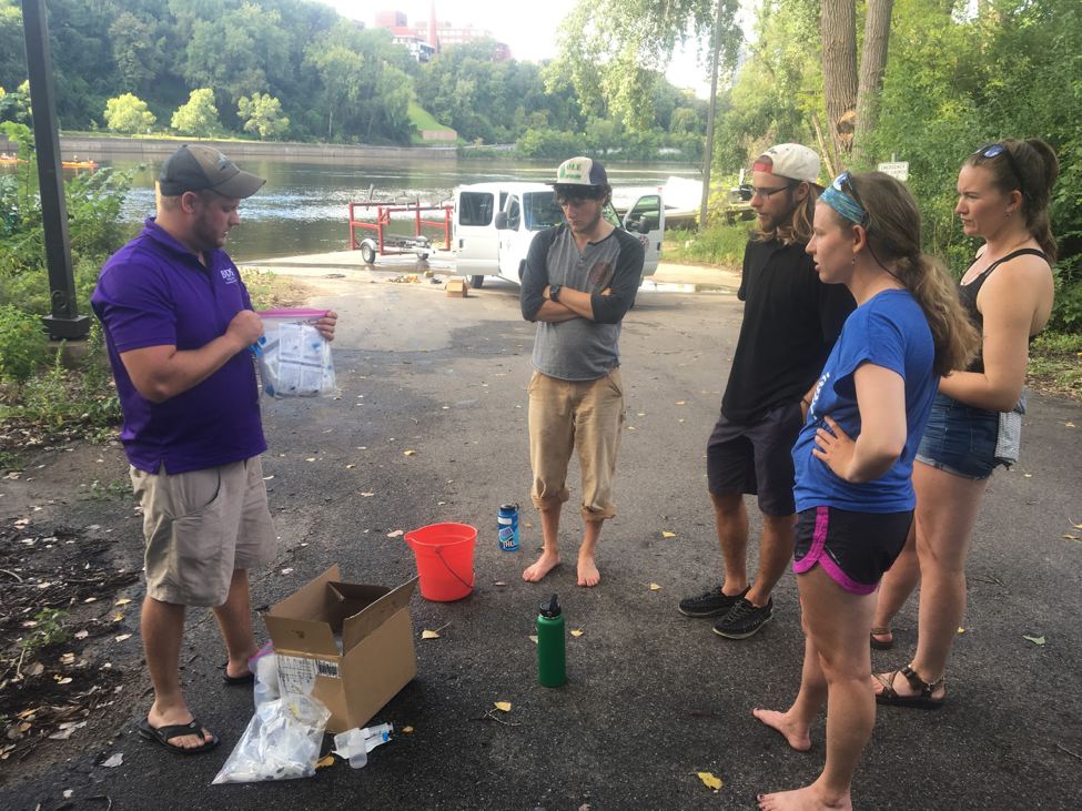 Showing rowers the sampling protocol