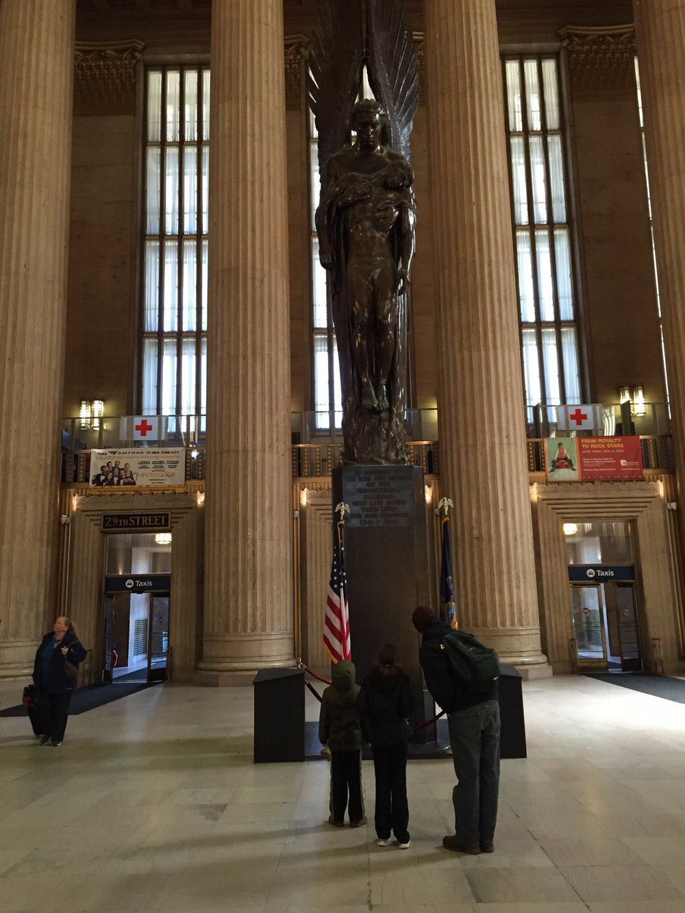 Statue in 30th Street Station