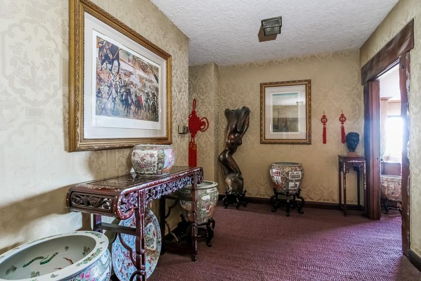 034-Hallway-944454-small.jpg