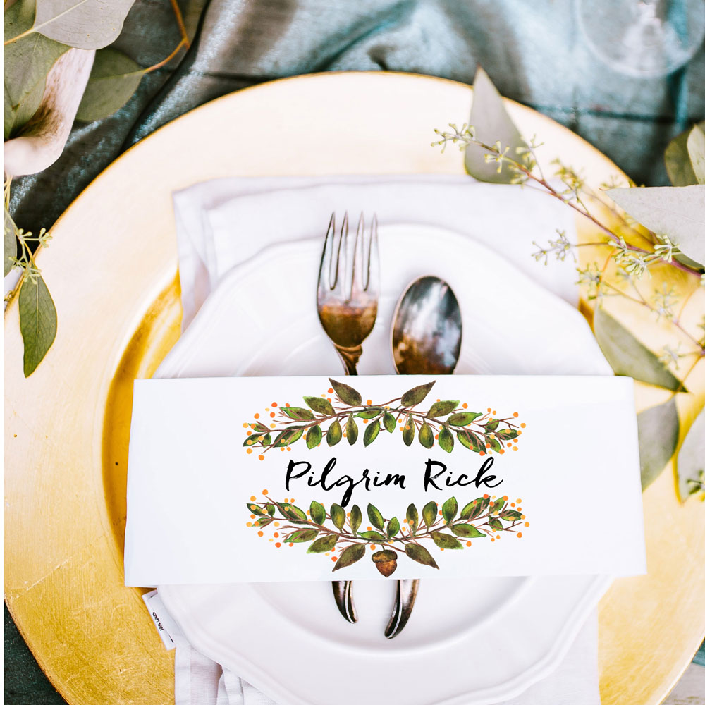 Tablescape Photo by  Annie Gra  y  on  Unsplash