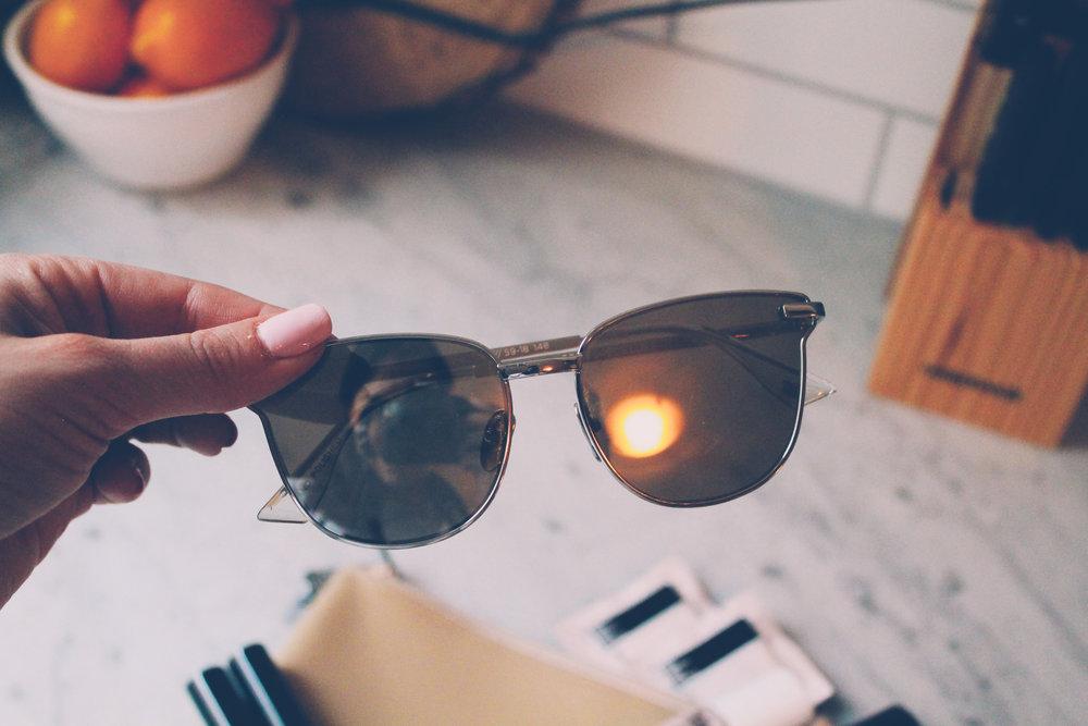 le spec sunglasses.png