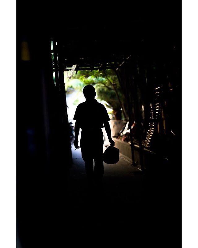 Alley Stranger - Shanghai, 2018 . @leonardonclt . . . . . . . #streetportrait #streetphotography #postemotion #postthepeople #spicollective #ig_streetphotography #ig_street #lensculture #streetshared #alphacollective #streetphotos #streetdreamsmag #magnumphotos #alphauniverse #artofvisuals #moodygrams #sonycollective #vscomood #vsco #vsxoportrait #streetmagazine #street_vision #thelensbible #thestreetphotographyhub