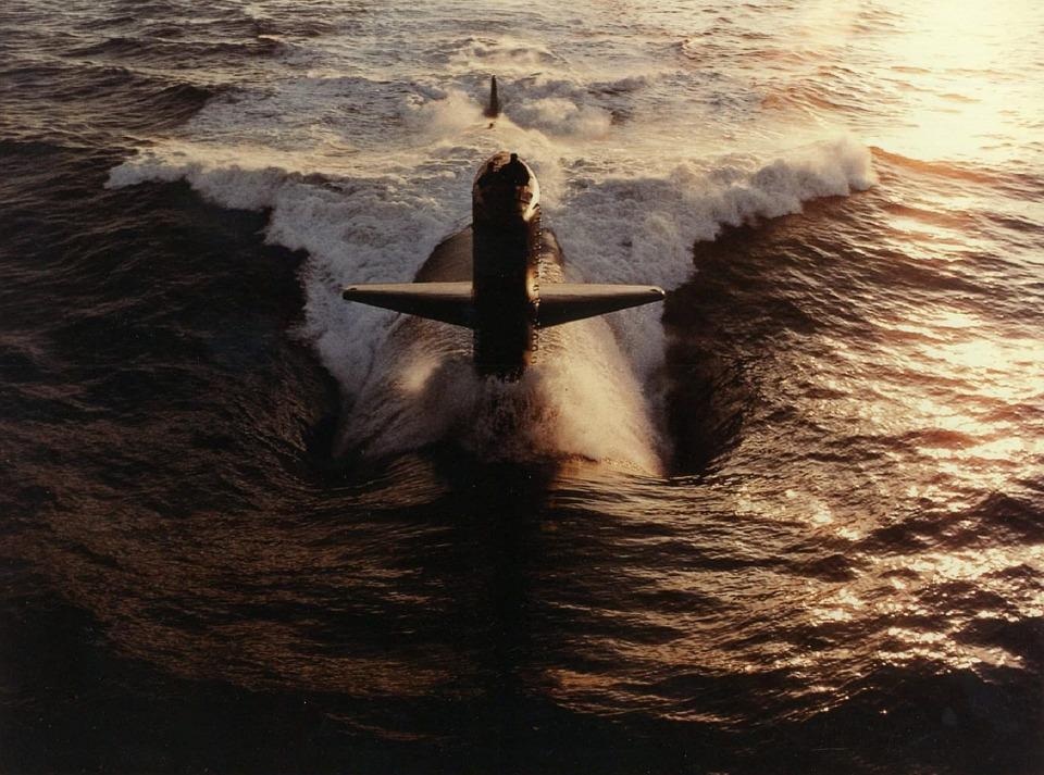 submarine-582364_960_720.jpg