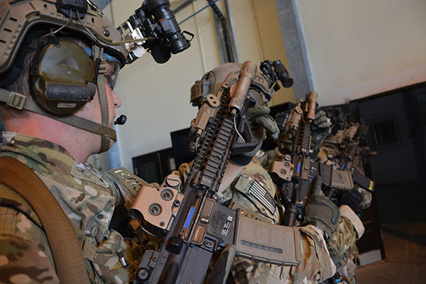 7th Special Forces Group Soldiers employing the high-ready ( image sourced from public domain | U.S. Army Photo by Staff SGT. Roman Madrid, 241st Mobile Public Affairs Detachment/Released)