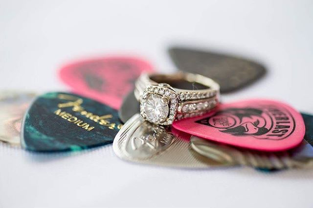 💍Who wouldn't love getting proposed to with a handwritten song?! 🎸Read Megan and Josh's love story. 🎶 Link in bio☝🏻️