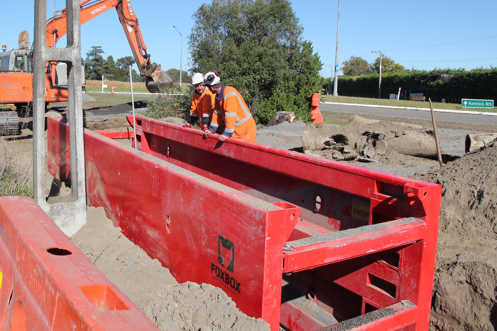 7.2m Generation 1 Foxbox trench shield at work with Higgins on the  Havelock North Relief Sewer project