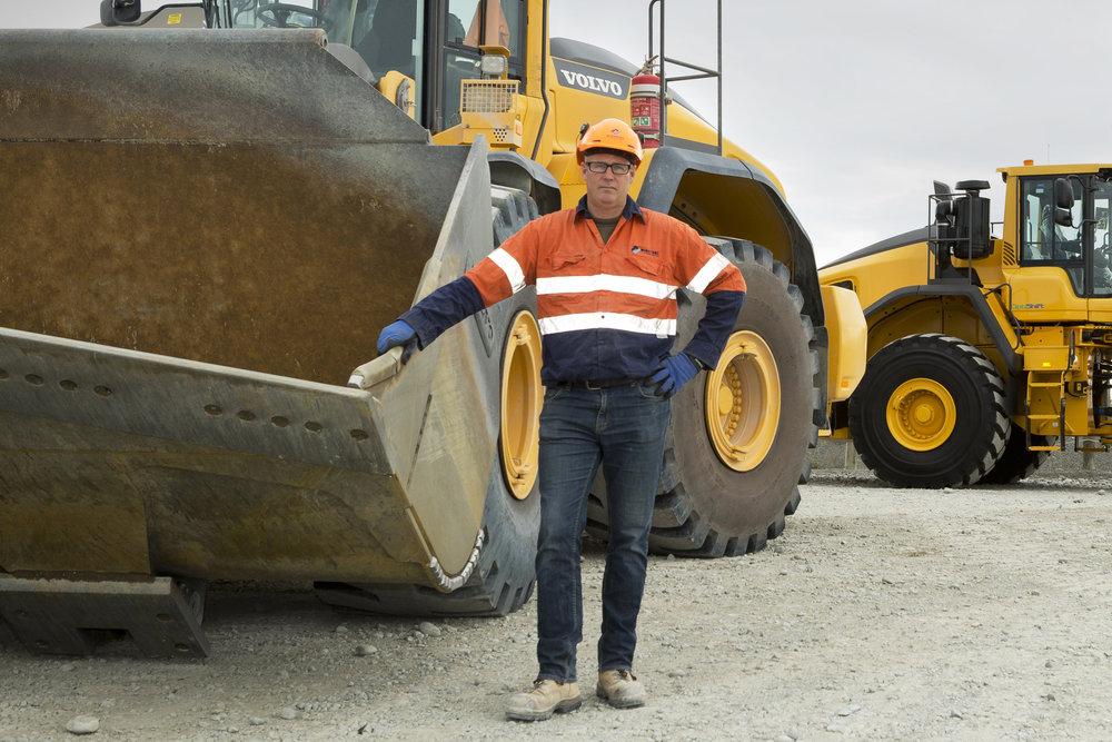 Ross Aikman, Quarry Manager GBC Winstone, Yaldhurst showing off a hard working EnduroBlade cutting edge.