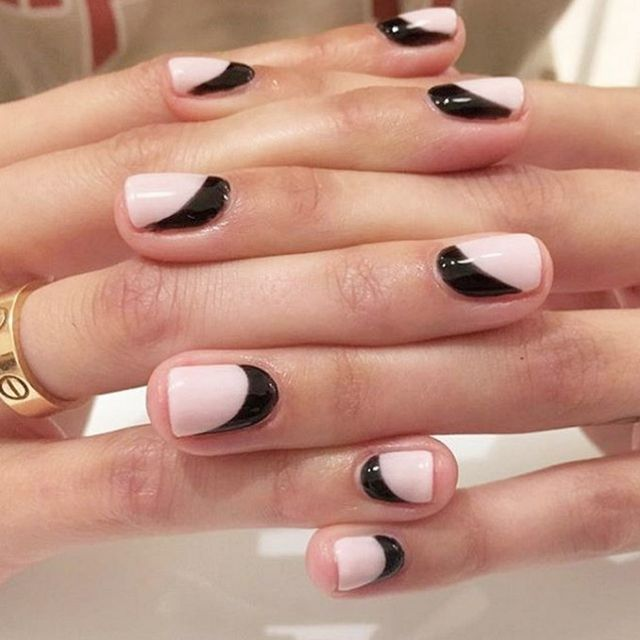 black and pink nail trend