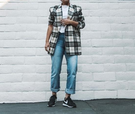 Shop this blazer: http://bit.ly/2ISmWRE