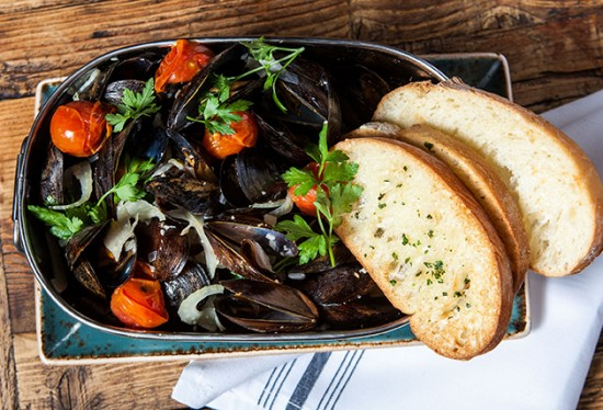 Mussels-Fennel-2_Marie-Buck-Photography-550x374.jpg