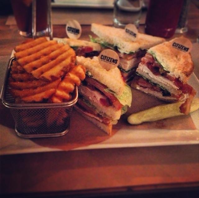 chicken-club-sandwich.png