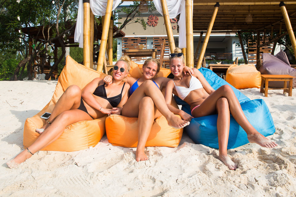 Frida, Mia and Camilla getting their tan on at one of the countless beach bars on Gili Trawangan. They were already smiling like this long before I took out my camera.