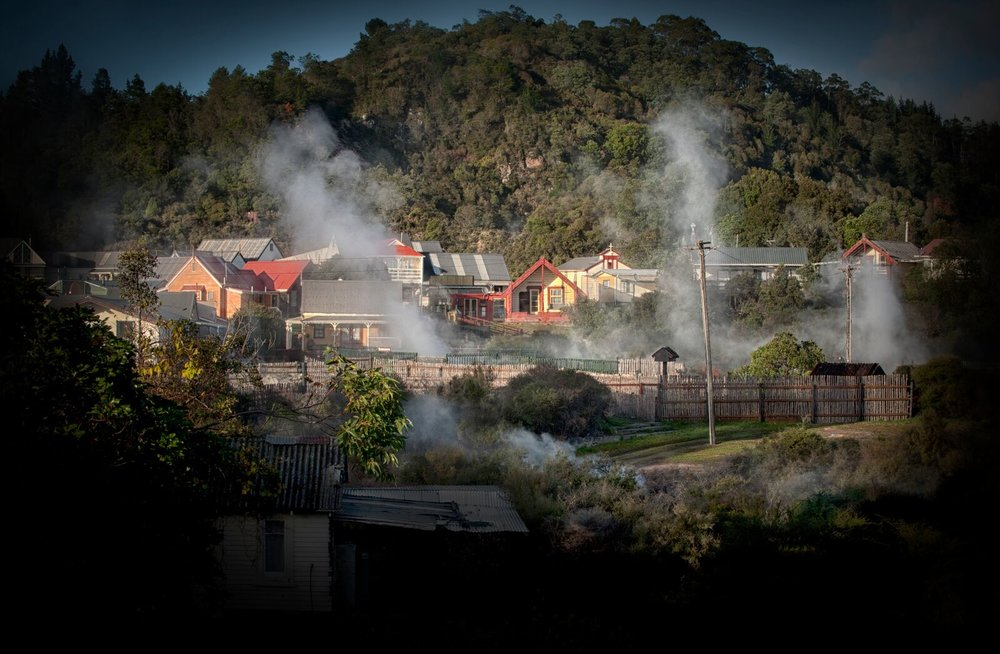 Whakarewarewa – The Living Māori Village. Experience the Culture & history Tour! W01