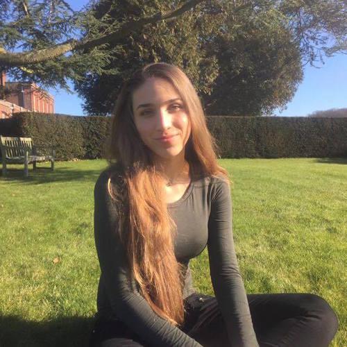Isabela Maniero.jpg