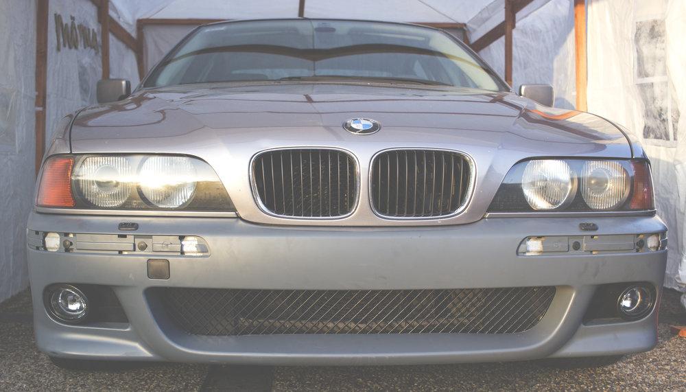Mömus BMW E39 remove replace install facelift sport m sport front bumper fl