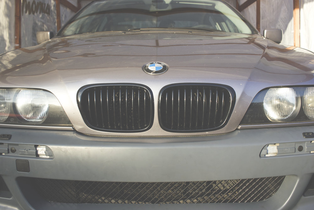 Mömus bmw e39 piano gloss black kidney grills front