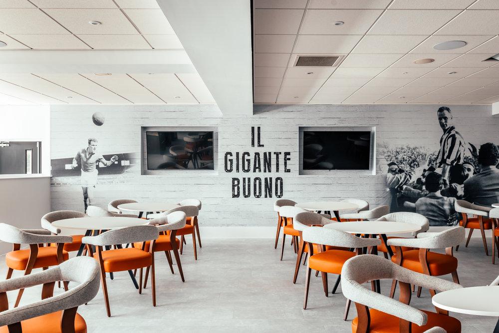 LUFC-Chairmans-Lounge-2018-07-30-8.jpg