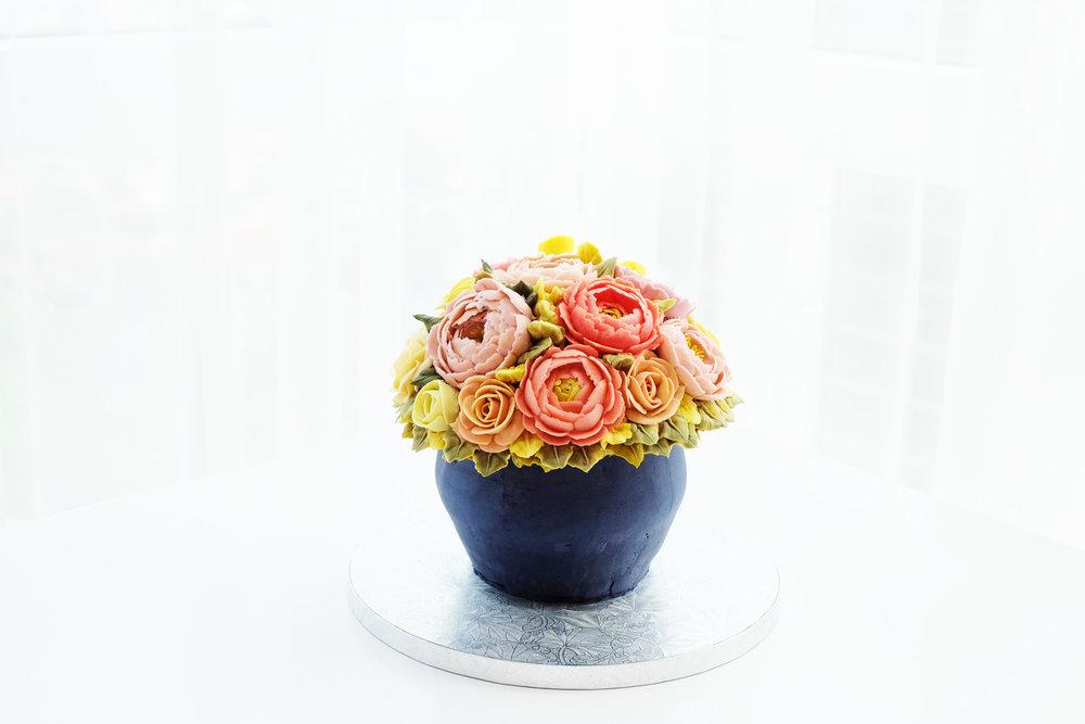 Buttercream Flower Vase
