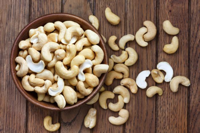 a-bowl-of-cashews.jpg