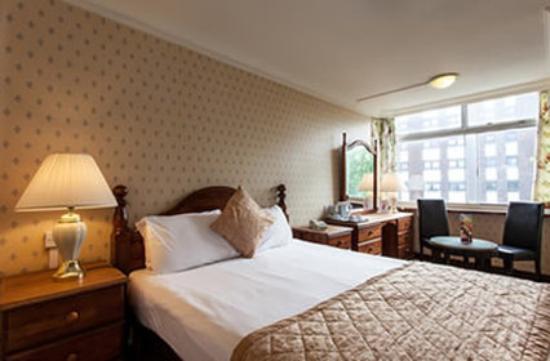 standard-double-room.jpg