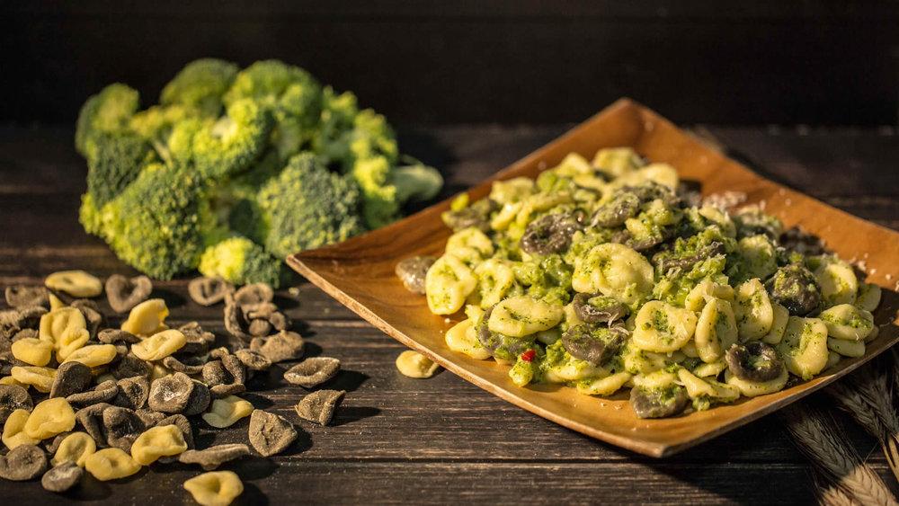 Orecchiette con broccoletti www.tastetrailsrome.com cookery courses Italy
