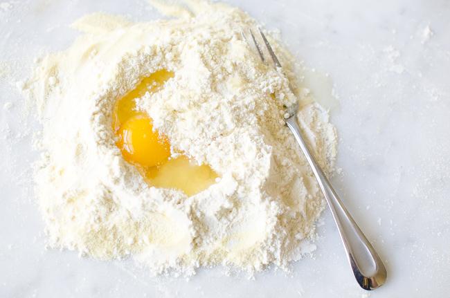 Fresh+Egg+Pasta+www.tastetrailsrome.com+Italian+Cooking+.jpg