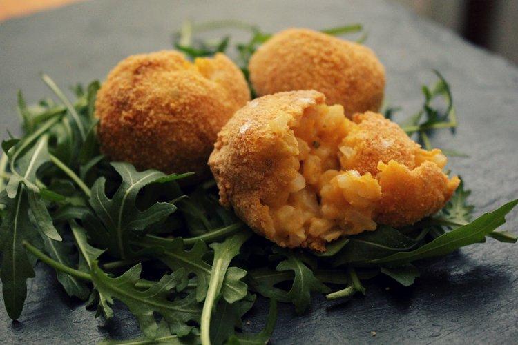 arancini+www.tastetrailsrome.com+cookery+holiday.jpeg