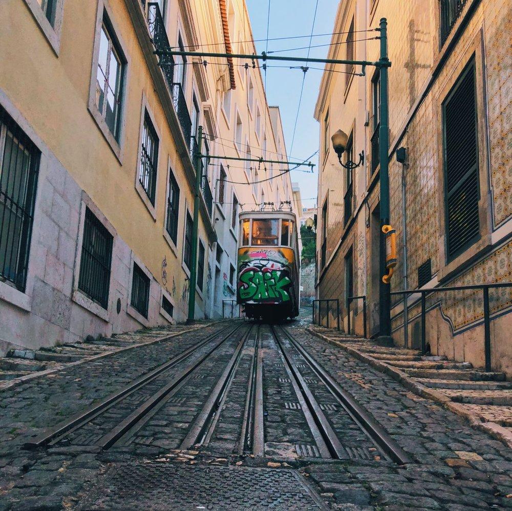 lisbon-cart.jpg