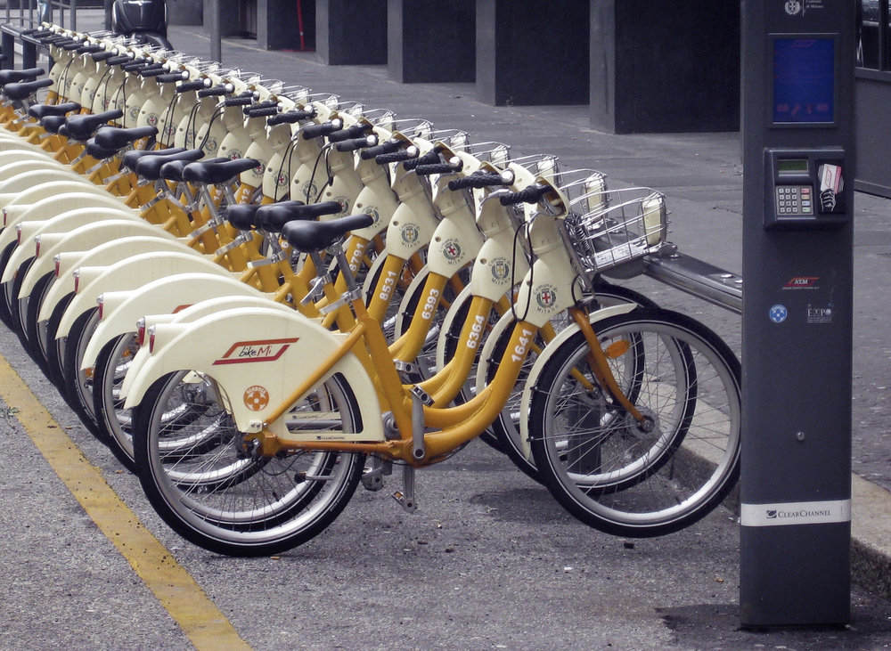 BikeMi Milan: combined bike-e-bike-sharing (image: Wikipedia/Creative Commons)