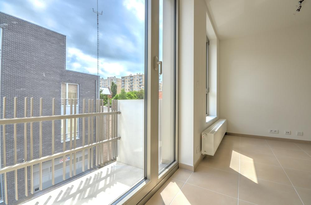 Appart 2 ch - balcon et vue ext+®rieure.jpg